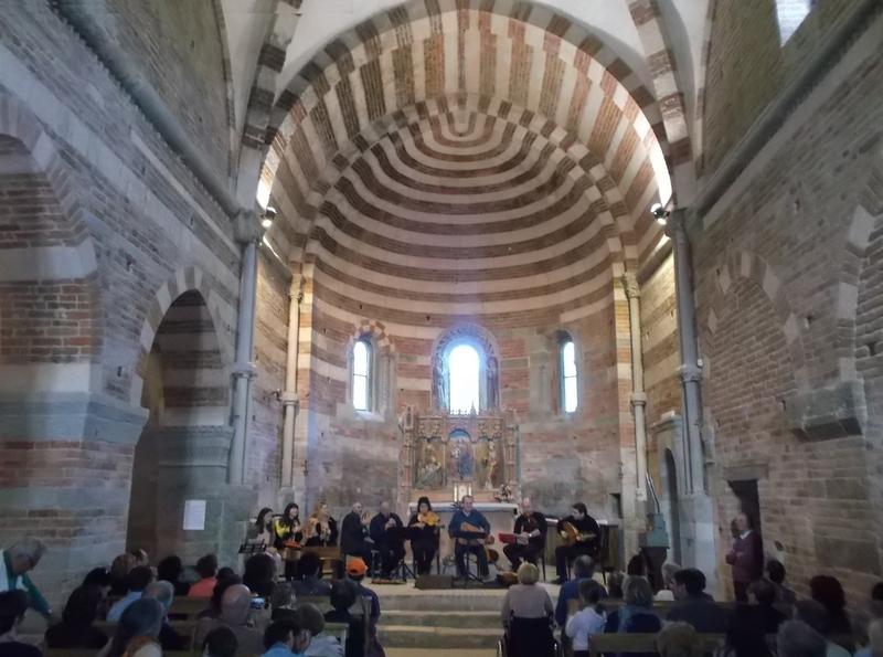 Foto del concerto del gruppo di musica antica la ghironda for L organo portativo